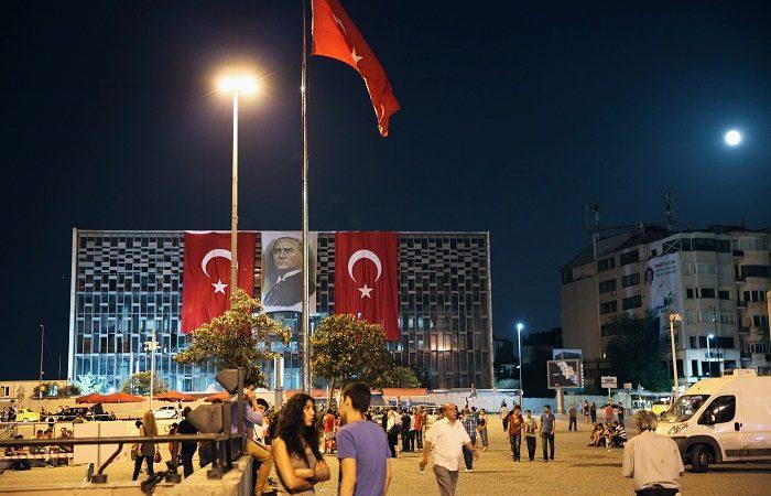 จตุรัส Taksim สถานที่เชิงสัญลักษณ์ที่สำคัญแห่งหนึ่งในเมืองอิสตันบูล
